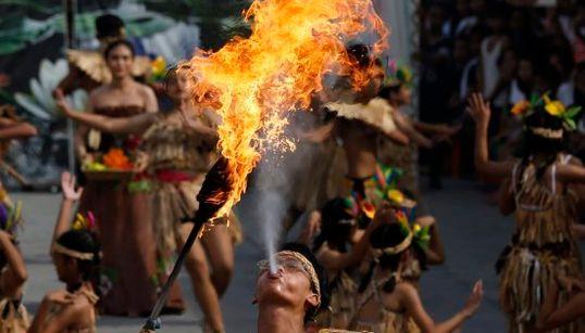 El Festival filipino del Nenúfar, los aplausos a Obama y otras del