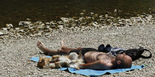 El calor aprieta y activa la alerta en 29 provincias de nueve