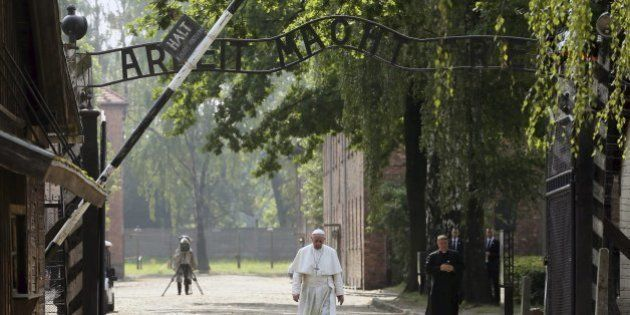 Auschwitz deja sin palabras al papa