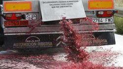 Agricultores franceses vierten el vino de camiones españoles en la