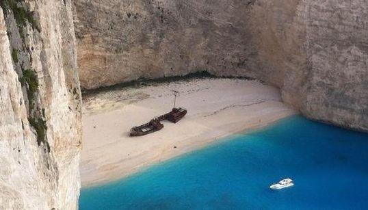 Rincones del mundo donde encontrar barcos varados
