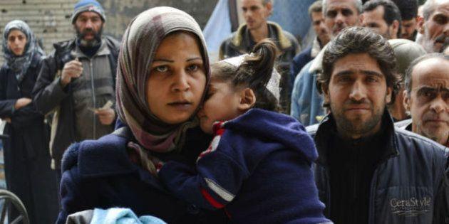 400 familias palestinas tratan de refugiarse de la guerra en Siria regresando a la cárcel de