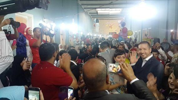 Una pareja jordana comparte su banquete de boda con más de 200 refugiados