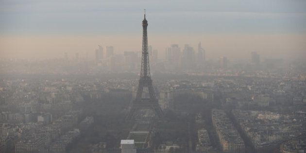 Las fotos de París que no querrías ver: la contaminación lo nubla