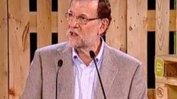 Rajoy da su discurso entre palés de obra... y provoca cachondeo en