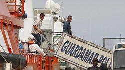 Muere un inmigrante que se coló en un barco dentro de una