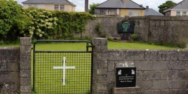 Descubierta una fosa con 800 esqueletos de niños en un convento de