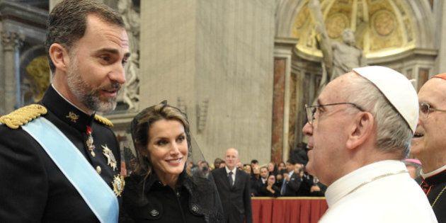 ¿Cómo se han tomado los obispos que no haya misa en la coronación de Felipe