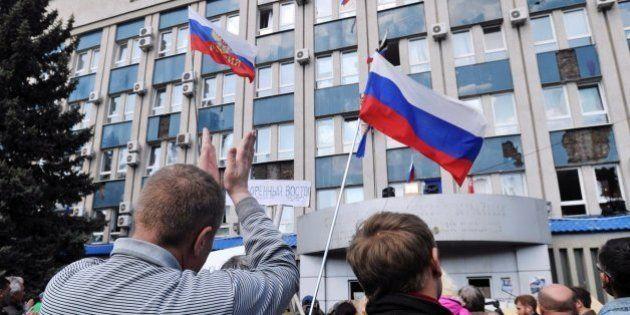 El Gobierno de Ucrania amenaza con disparar a los prorrusos si no deponen las