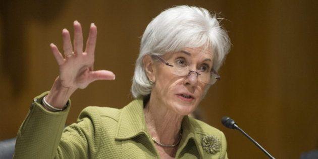 Dimite la secretaria de Salud de EEUU tras poner en marcha la reforma