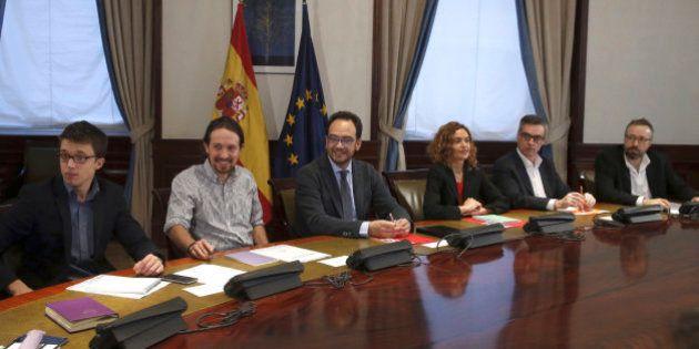 Pedro Sánchez se reúne este viernes con el equipo negociador del PSOE tras la reunión a