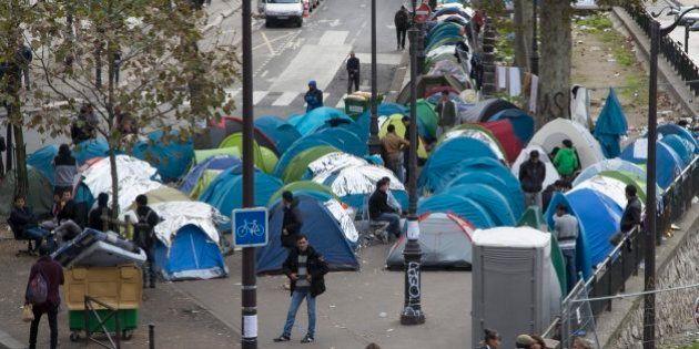Aumentan los inmigrantes acampados en París desde el desmantelamiento de