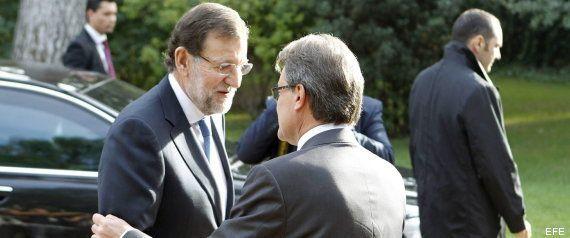 Rajoy dice que no remodelará su Gobierno ni tocará el IVA en lo que queda de