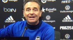 El entrenador del Valencia estalla en directo contra sus propios