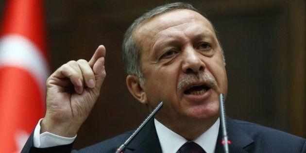 Erdogan sigue con su guerra: acusa a Twitter de evasión