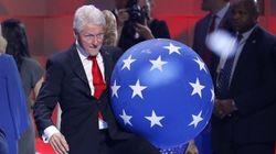 El vídeo de Bill Clinton jugando con globos que han visto más de 18 millones de