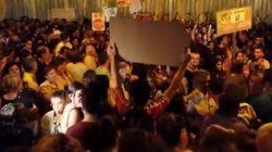 Unas 2.000 personas exigen el cierre del proyecto