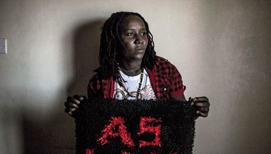 'Amar no es un delito': la exposición que muestra la lucha de los activistas LGTBI en