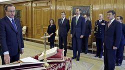 Alfonso Alonso elige jurar su cargo ante un crucifijo