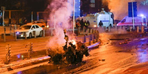Atentado en Estambul: una doble explosión deja al menos 38
