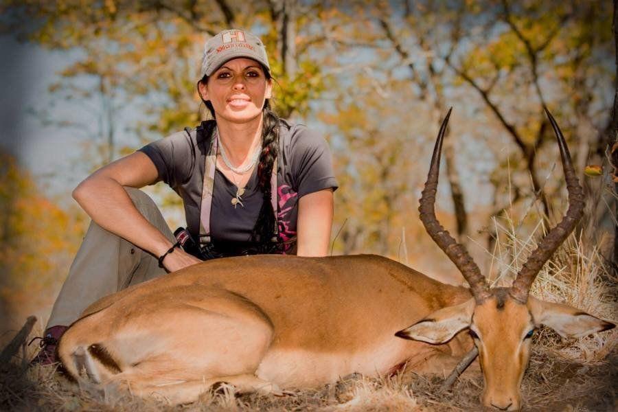Las redes se indignan por una cazadora