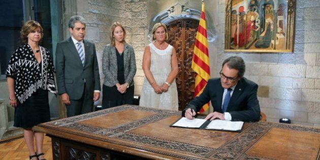 Mas firma el decreto de convocatoria de las elecciones del 27-S: