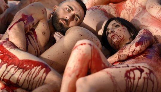 Desnudos en Barcelona contra el uso de pieles de animales