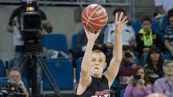 Este chaval de 16 años ha vencido a los mejores triplistas de la ACB