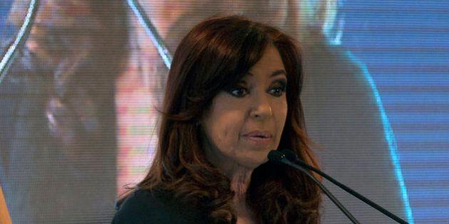 La presidenta argentina, Cristina Fernández, deberá guardar reposo un mes por razones de