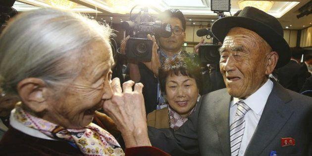 Reencuentro de familias de las dos Coreas: la emoción de volver a abrazar a tu hermano 60 años