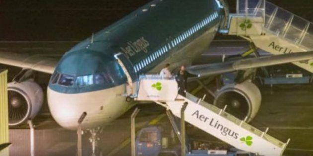 Solucionado el misterio del pasajero que mordió a otro en pleno vuelo antes de