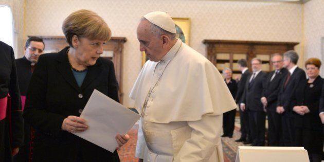 El papa, a Merkel: