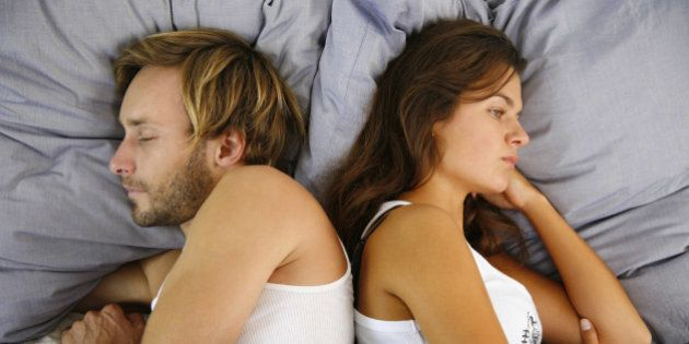 Los españoles duermen una media de siete horas diarias, y los hombres ganan a las mujeres en 10