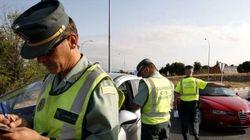 La DGT vigila el puente: las 24 infracciones que cuestan más