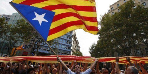 El TSJC anula parcialmente el protocolo que obliga a hablar catalán a los