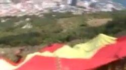 Vox despliega en Gibraltar una bandera española