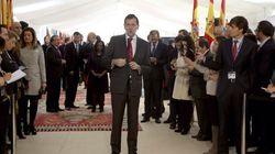 Rajoy dice que reformar la Constitución no es prioritario y Sánchez avisa de que