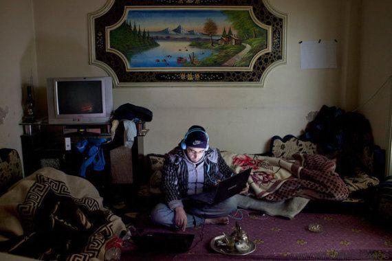 Salvó la vida de una periodista en Siria y ahora busca asilo en una Europa que no lo
