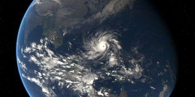 Las imágenes del tifón Hagupit que azota a Filipinas