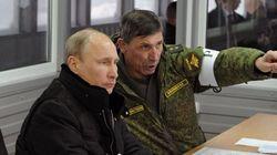 Putin ordena un tímido repliegue de sus tropas cerca de