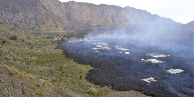 El volcán Fogo se come el pueblo de Portela en Cabo Verde