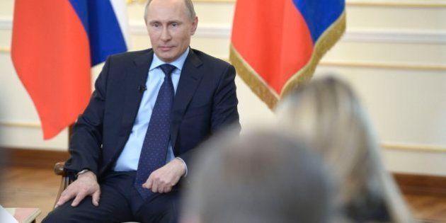 Putin denuncia un golpe de Estado en Ucrania y asegura que una intervención armada es