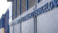 Unos 40 internos del CIE de Barcelona tratan de huir sin éxito por la