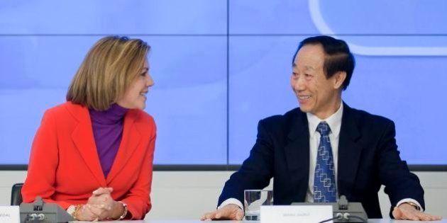 El 'buen rollo' de Cospedal con la delegación del Partido Comunista de China