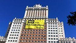 Así protesta Greenpeace contra la Ley de Seguridad Ciudadana