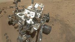 Esta es la primera foto que se hace el Curiosity en