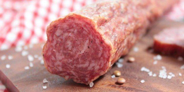¿Qué son la carne roja y la carne procesada? La lista de alimentos sobre los que alerta la