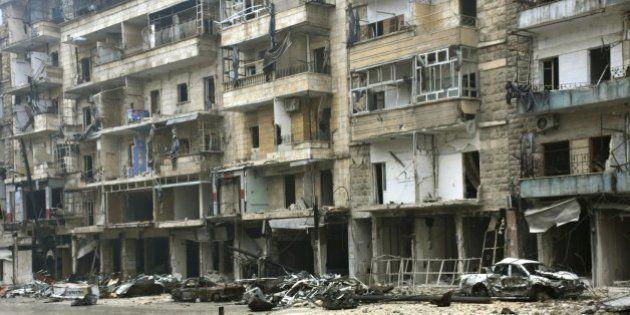 Las autoridades sirias retrasan la evacuación de civiles y rebeldes de