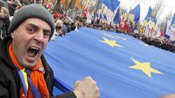 Decenas de miles de ucranianos exigen una asociación con la