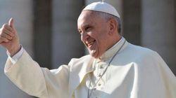 El papa bromea con Carmena: